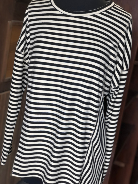 Hacci Black Stripped Pullover Top