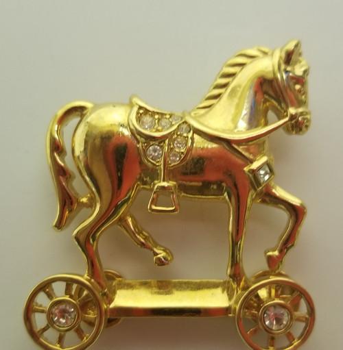 Vintage AVON & Smithsonian Gold Tone Pin Brooch w/Rhinestones