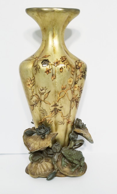 Lily Pad & Frog Themed Resin 3D Tall Decorative Vase