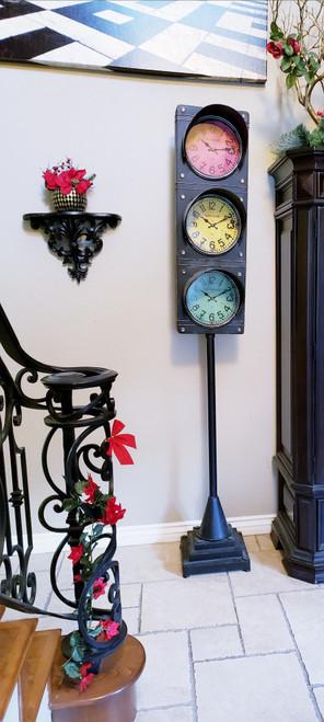 Retro Traffic Light Clock w/Stand London, New York, Los Angeles