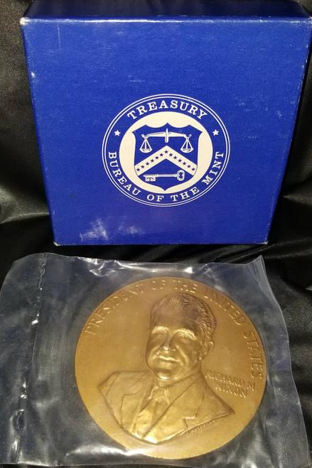 "Large  Richard M. Nixon ""Peace"" Inauguration Medal 1973"