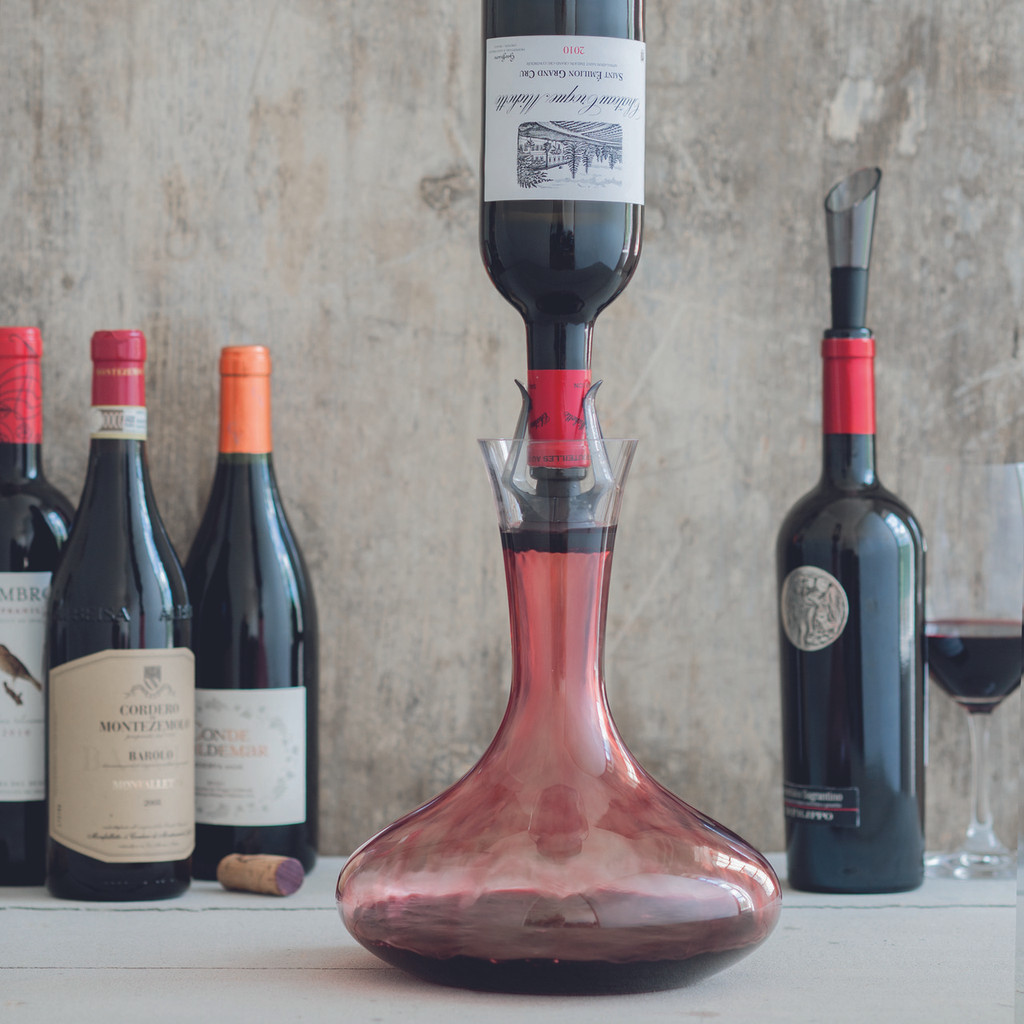 Vitesse Wine Fountain Decanter by Le Creuset