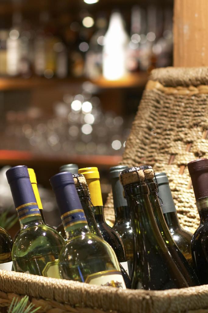 Self Isolation Case - White wine case 6 bottles