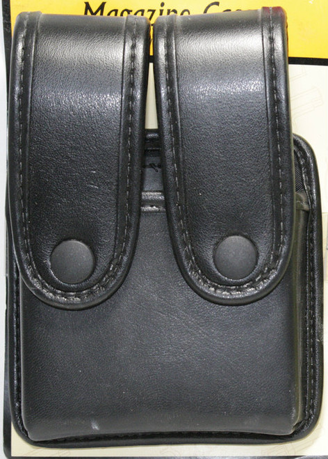 Uncle Mike's Leather Magazine Pouch holds (2) double stack magazines. This pouch has black snaps.