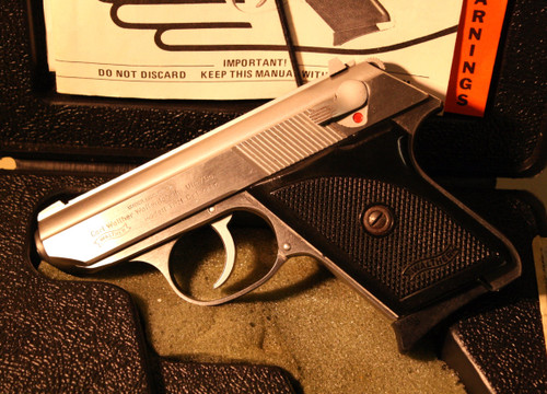 USED but almost like new Walther TPH in .22lr. It comes with the original box, manual and 1 magazine.