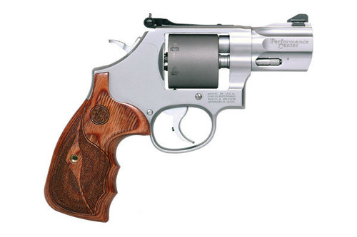 Smith & Wesson 986 Performance Center 9mm revolver. Maximum capacity of 7 rounds of 9mm.