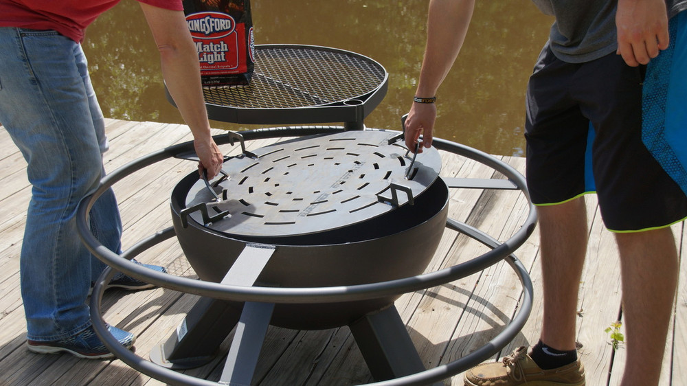 Who To Grill In A Fire Pit Using Charcoal