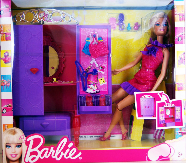 Barbie Barbie Doll with Wardrobe and Fashion Accessories T7183