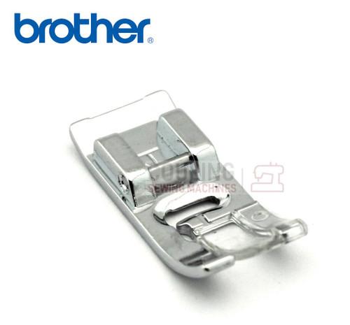 BROTHER Standard 7mm Zig Zag J Foot XR27NT, XR37NT + XZ5136001