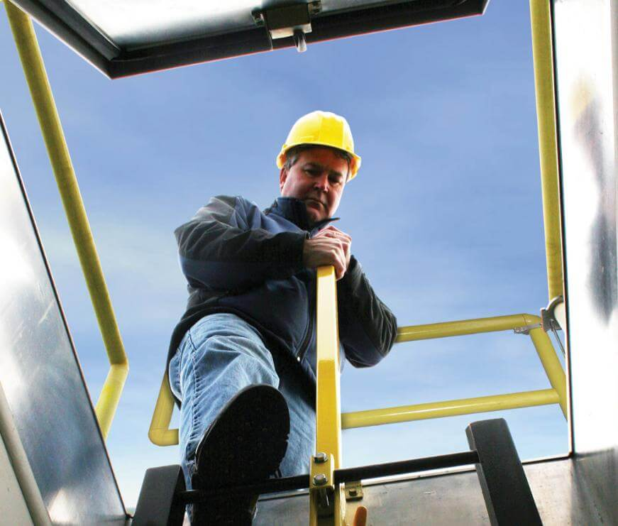 How to Choose the Right Roof Hatch for Your Building
