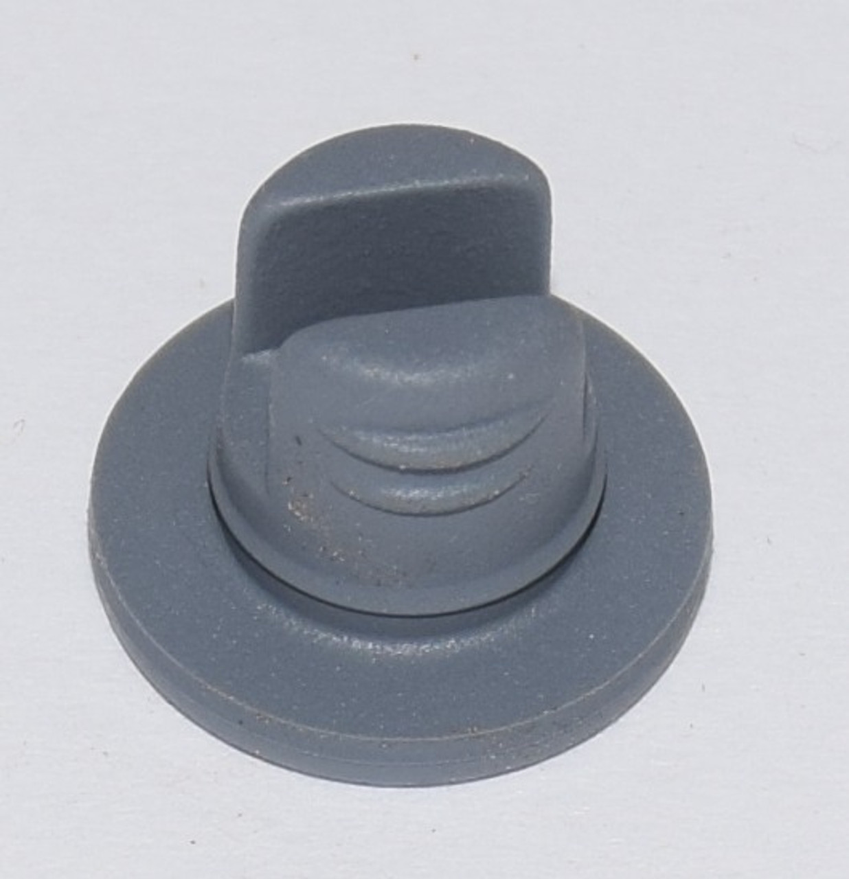 13MM GRAY VIAL STOPPER, 2-LEG NUBBED