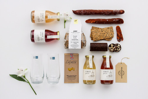 Picnic Gift Basket NZ | Willow and Wolfe | Picnic Basket Gift Hamper
