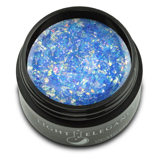 This glitter contains irregularly shaped mylar pieces that randomly pull blue and green shades with an intoxicating iridescent effect. Perfect for adding a bit of spring to your look.  UV/LED Glitter Gel, I Wet My Plants, 17 ml  Coverage: Transparent/Sheer Effect: Glitter
