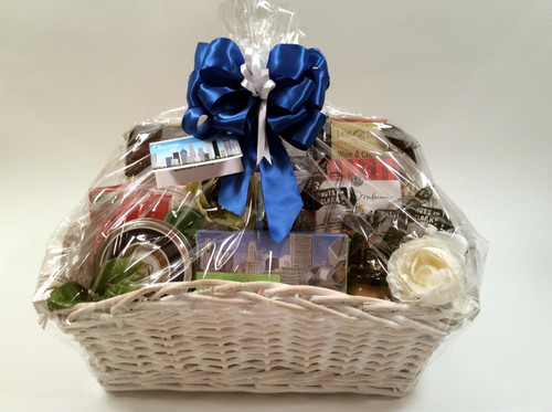 The Custom Chicago Gift Basket Is Designed To Your Specifications Choose Favorite Gourmet And