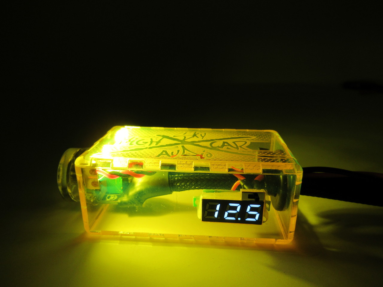 SHCA CLEAR LED BASS KNOB WITH VOLTMETER AND LEADS