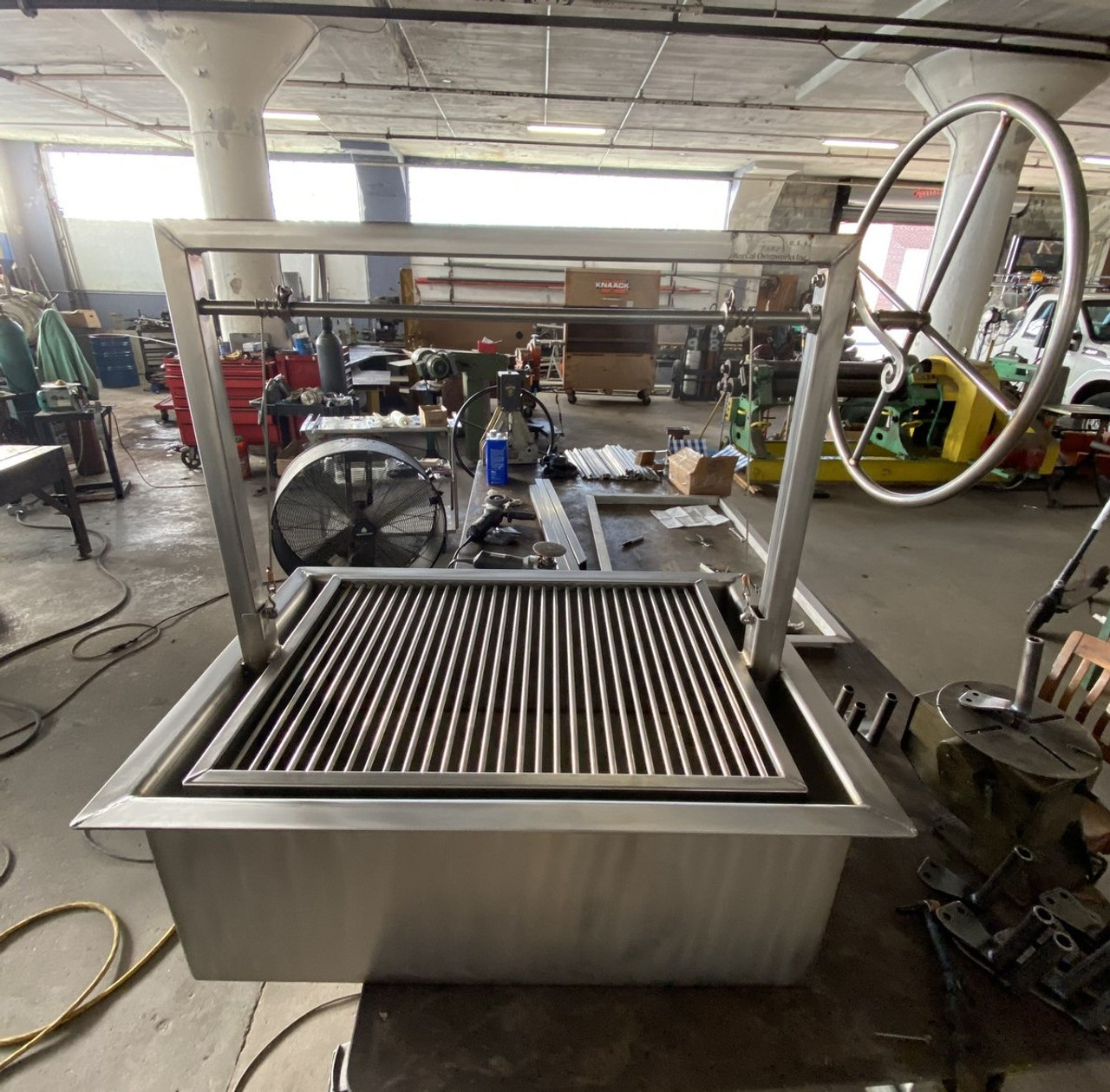 Stainless Steel Counter Drop-In Grill in the Santa Maria Style