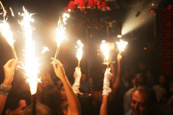 CHAMPAGNE BOTTLE SPARKLERS VIP BOTTLE SERVICE