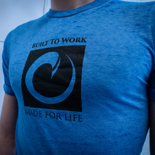 BUILT TO WORK - T SHIRT