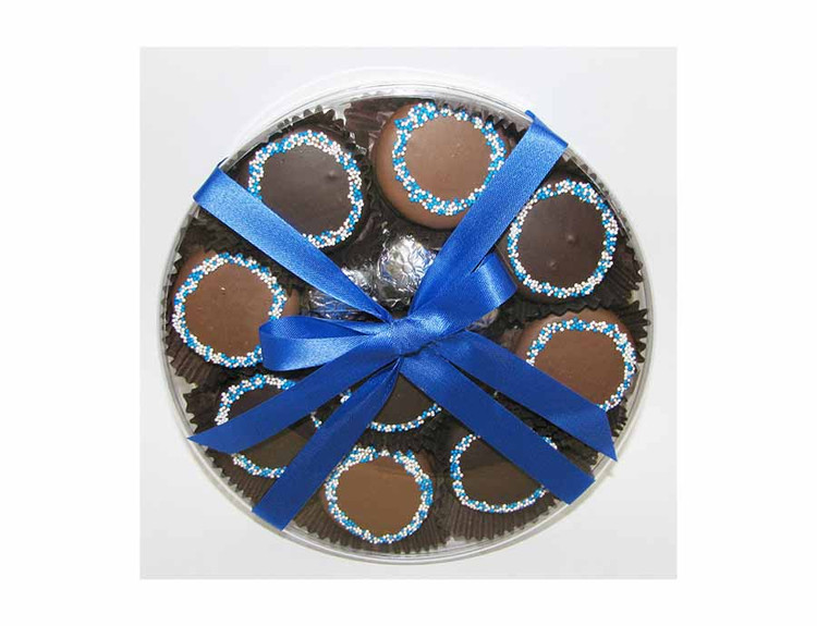 Chanukah Oreos in Round Box