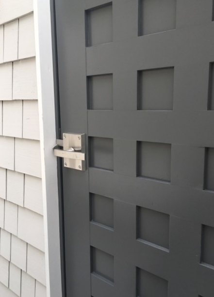 stainless-steel-alta-latch-on-pool-house-dressing-room-door.jpg
