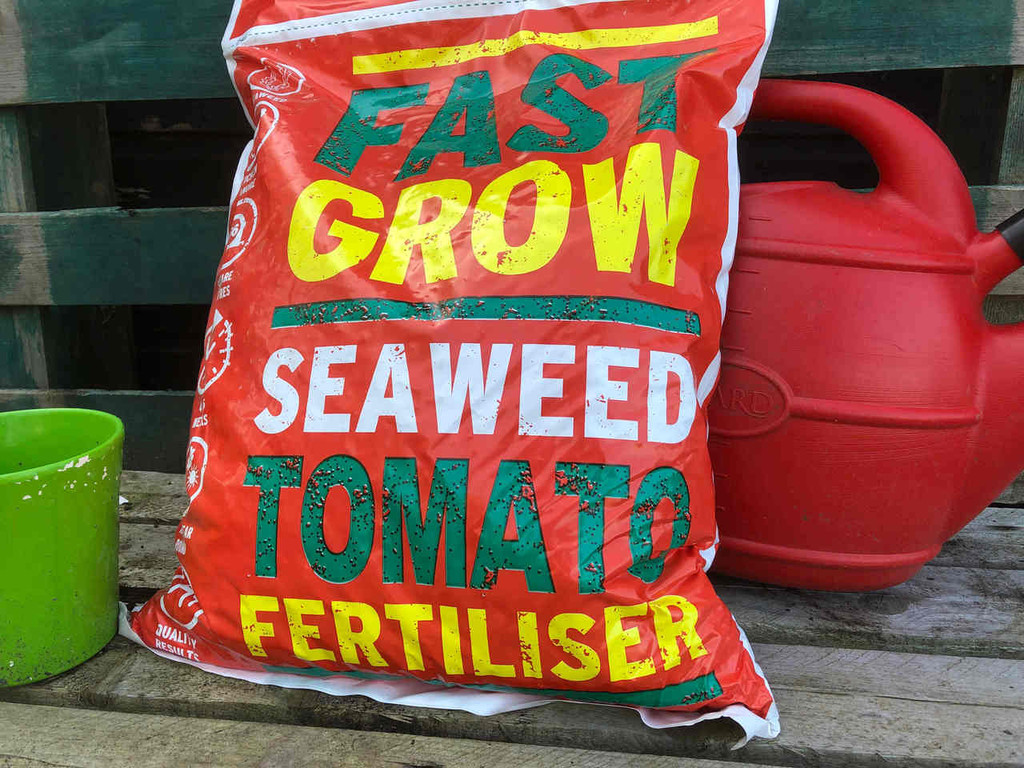 Fast Grow Tomato Fertiliser