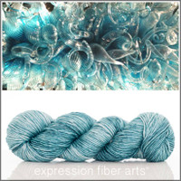 GLASS BLUE 'PEARLESCENT' WORSTED