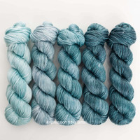 UNDERWATER HUES 'LUSTER' WORSTED KIT