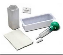 Medline M103121A IRRIGATION TRAY W/ PISTON SYRINGE, PVP PREP PADS, SLIP SHEET