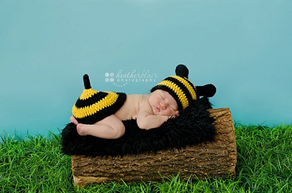 Knitted Bumble Bee Set (Set of 2)