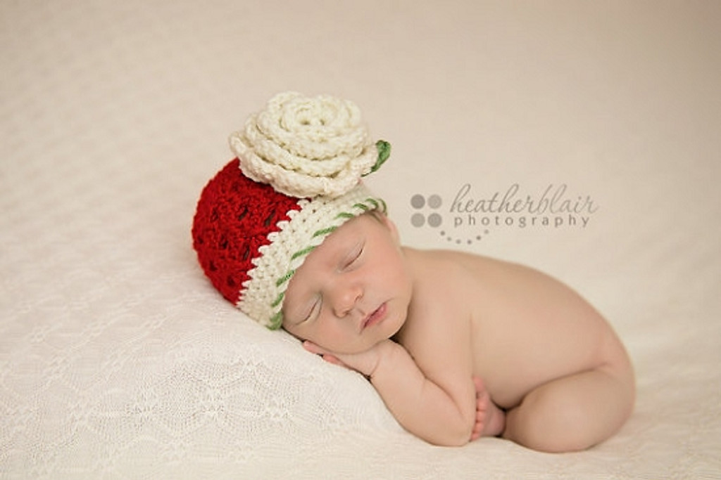 Knitted Beanie with Flower Applique (Set of 2)