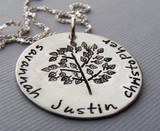 Personalized Family Tree Necklace for Mom