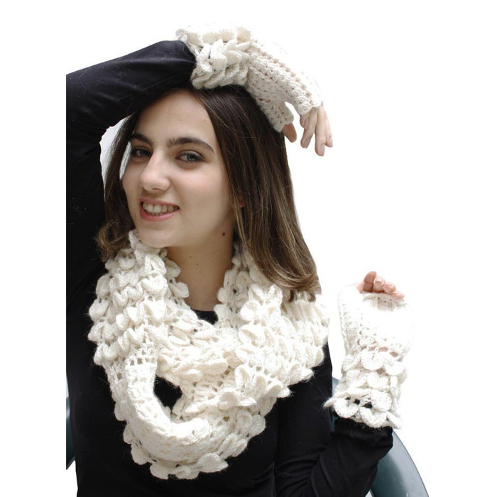 Superfine Alpaca Wool Handknitted Infinity Scarf & Gloves Ivory (33H-013-201)