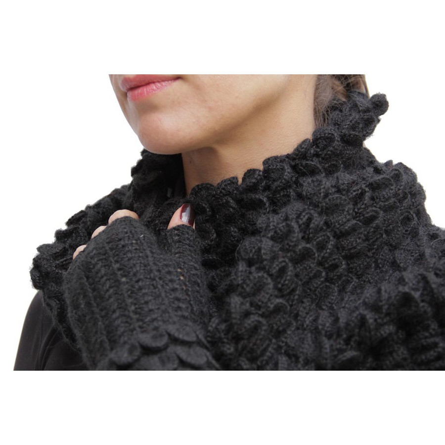 Superfine Alpaca Wool Handknitted Infinity Scarf & Gloves Black (33H-033-500)