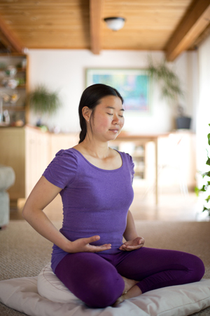 Using a meditation pillow and zabuton