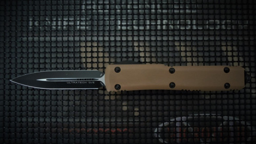 MICROTECH ULTRATECH D/E BLACK BLADE W/TAN G-10 TOP AND BLACK BOTTOM