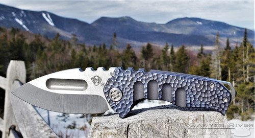 MEDFORD GENESIS Ti DROP POINT WITH DARK BLUE HAMMERED HANDLES