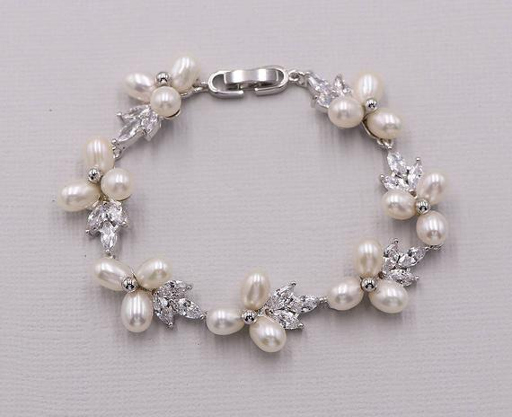 Abby Pearl Bracelet and Earrings Set