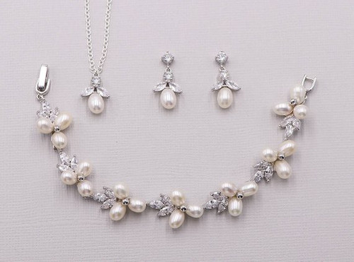 Abby Pearl Bracelet Earrings and Necklace Set