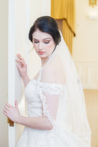 One Tier Lace Edge Wedding Veil
