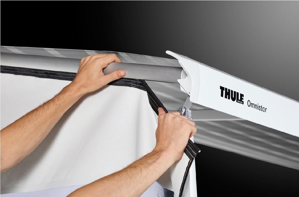 Thule HideAway Rain Blocker - Side