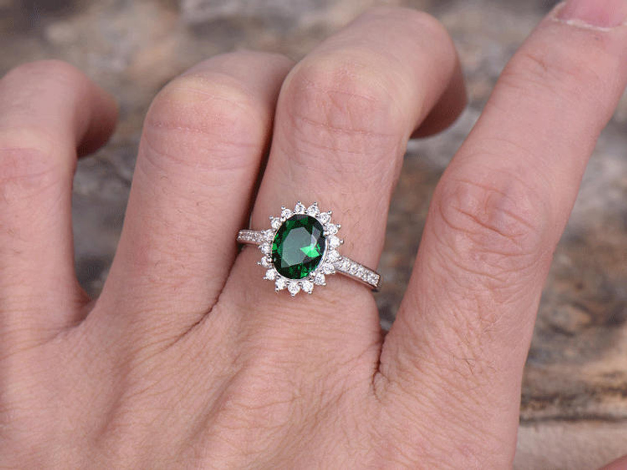 Emerald Engagement Ring 6x8mm Oval Cut Vintage Emerald Ring