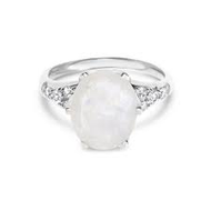 Engagement moonstone rings or wedding rings. What's the difference?
