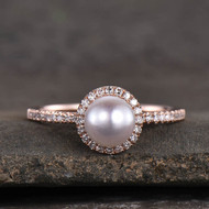 A Guide To Finding The Perfect Pearl Engagement Rings