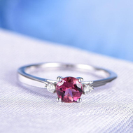 Here is what you need to know about contemporary ruby rings