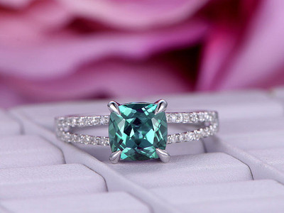 7mm Cushion Cut Alexandrite Engagement ring