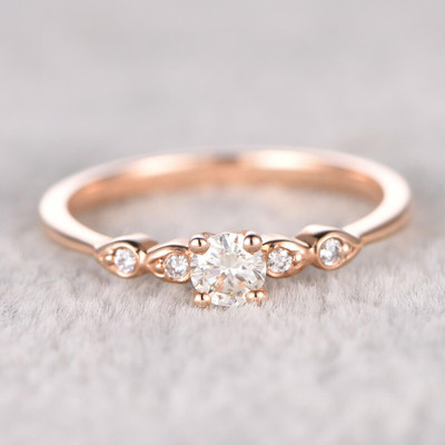 simple moissanite engagement ring round cut 02