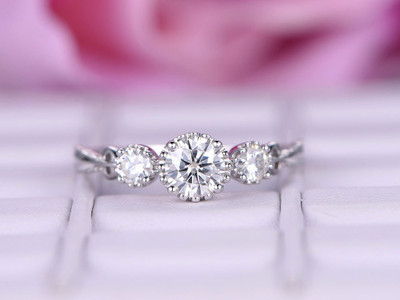 Round cut Three Stone Moissanite Engagement Rings