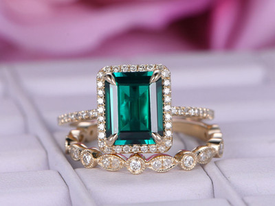Lab-treated Emerald Wedding ring sets