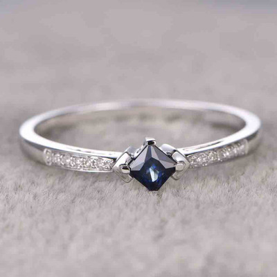 Princess Cut Sapphire Engagement Ring accents-BBBGEM Princess Cut Sapphire Ring