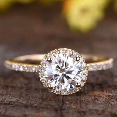 moissnaite ring yellow gold